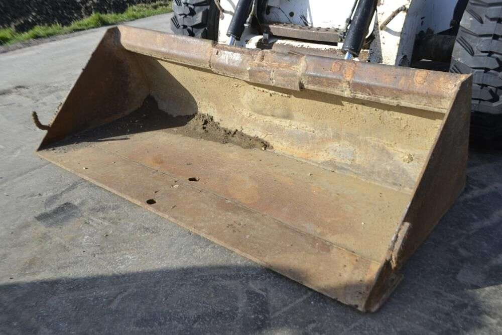 BOBCAT S250 skid steer for sale by auction - Photo 7